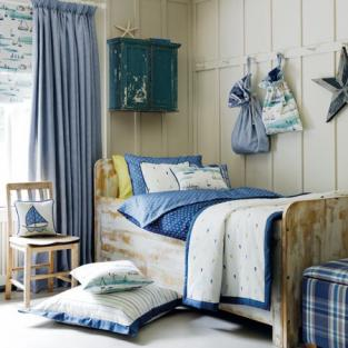 Blue and white fabric for a beach house look