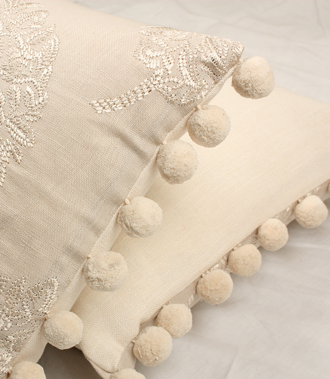 Voyage Decoration Wakehurst Fabric / Stone